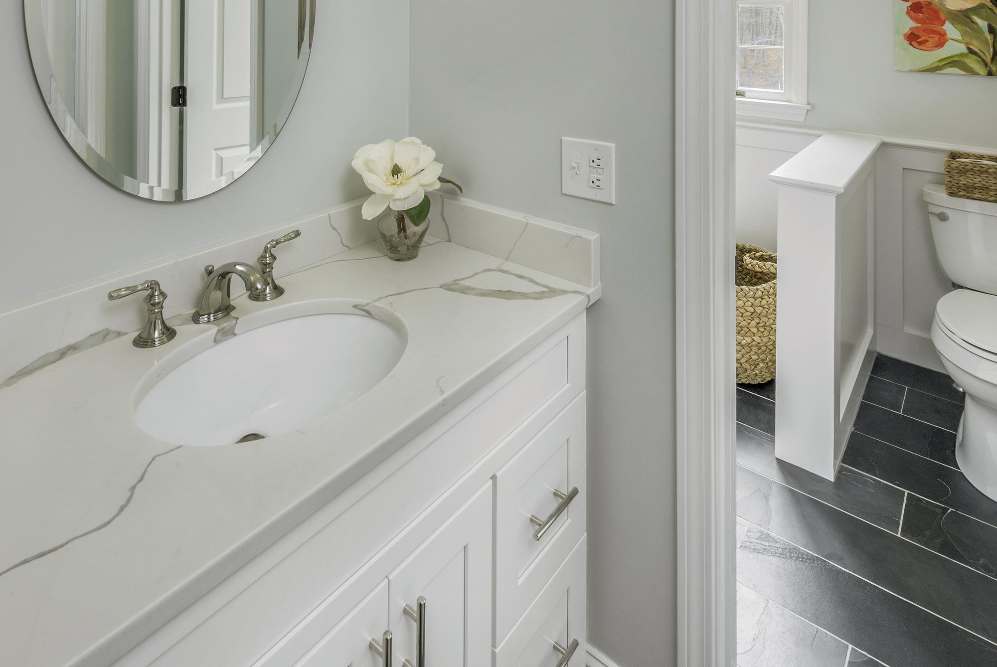 Duke Bathroom Counter