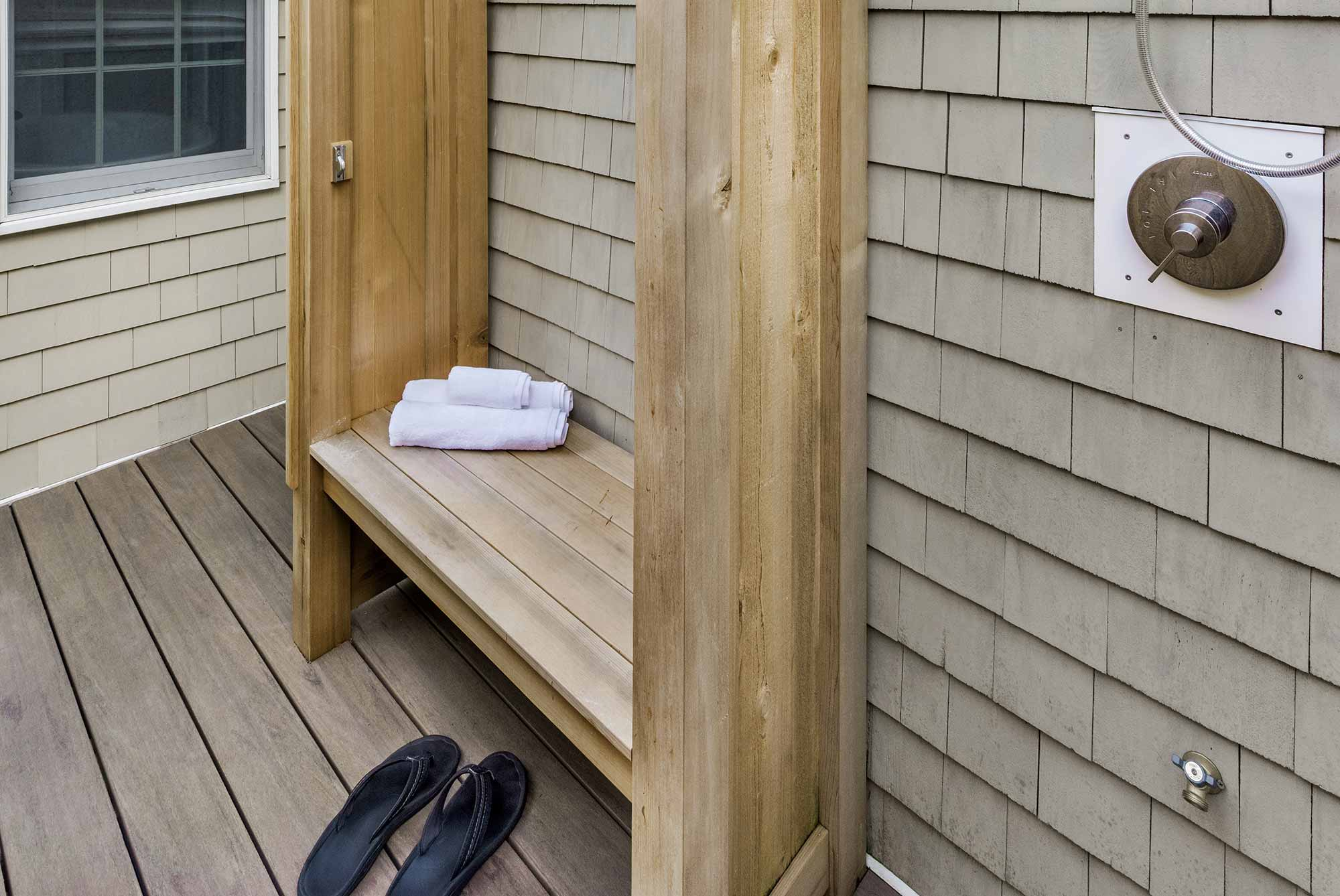 Duke Outdoor Bench