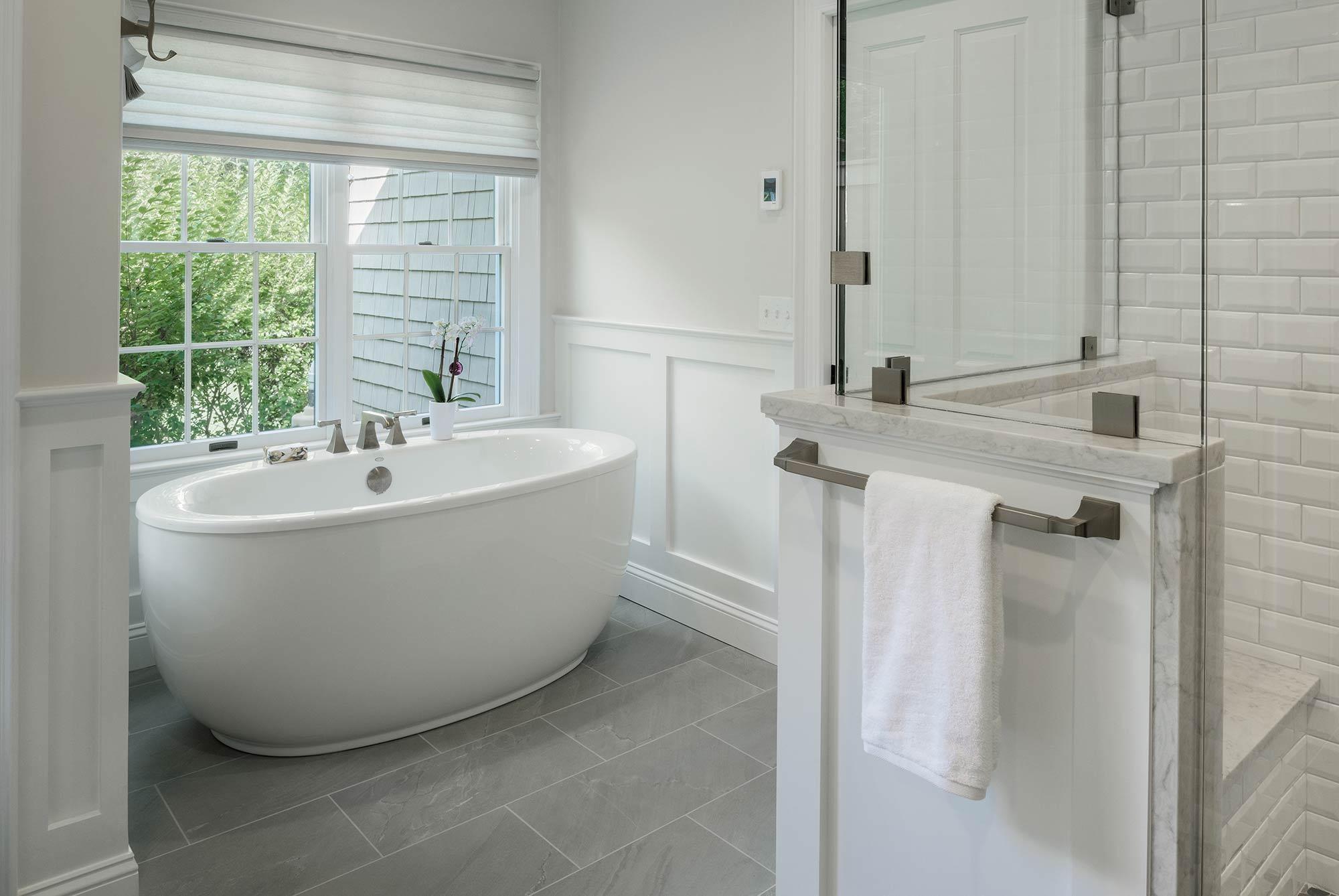 Duke Bathroom Tub